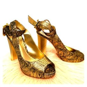 Hale Bob Dusty gold Heels Sandals 9